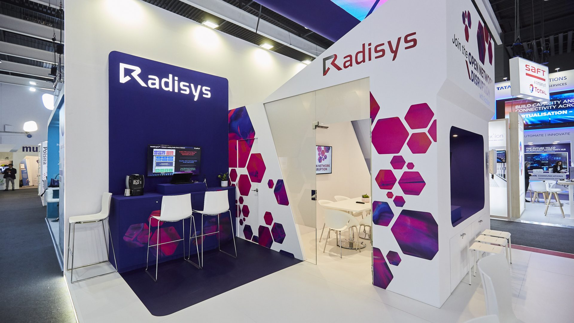 Radisys booth at MWC 2019 - clean and crisp design
