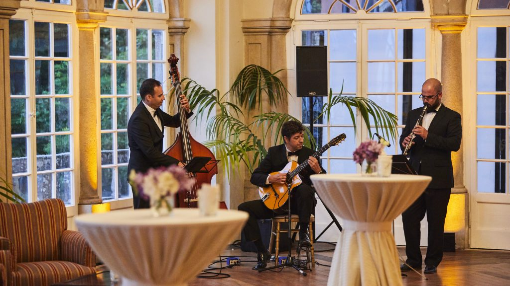 Live instrumental music at an event